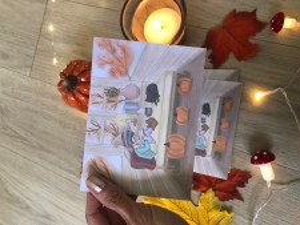 Petit moment cocooning de lecture pour notre sorcière.  Douceur et chaleur de l'automne au format cartes.   13/9,5 cm. Imprimée sur papier photo mat 300g